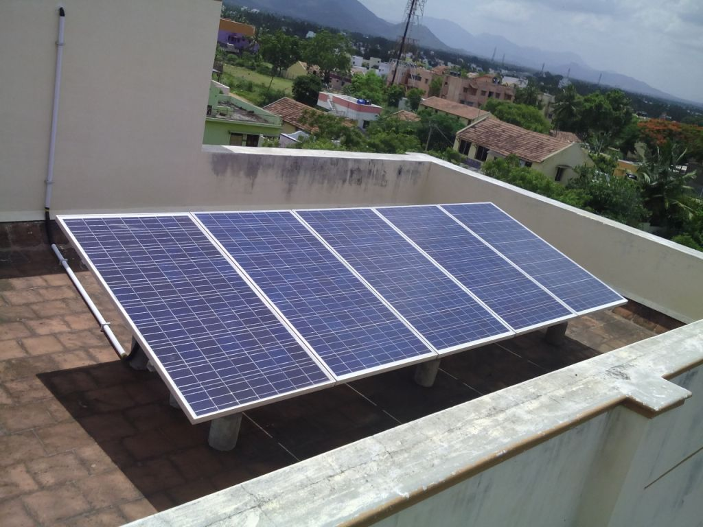 Kl Solar Company The Battery Is Backup Electrical Energy Of Cells In Needs Power Plant With